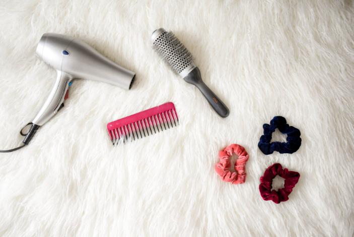 hairdryer and hairbrush